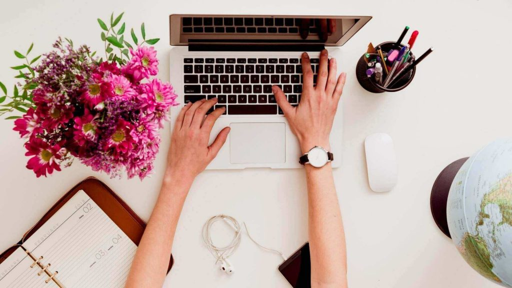 ¿Cuál es la mejor hora para publicar CON TU MARCA en redes sociales?